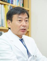 岡崎 賢 先生|膝の痛みの原因は...